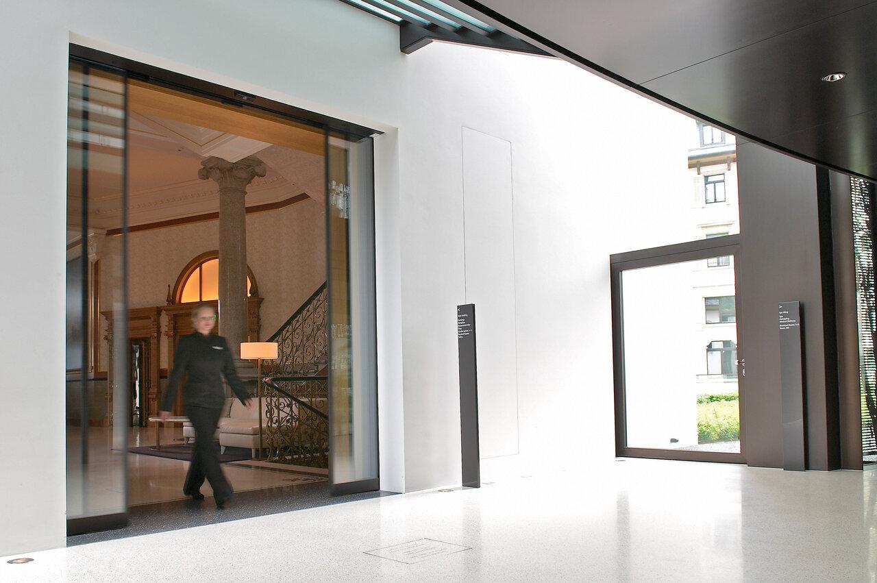lineare teleskopschiebet r f r besonders schwere t ren. Black Bedroom Furniture Sets. Home Design Ideas